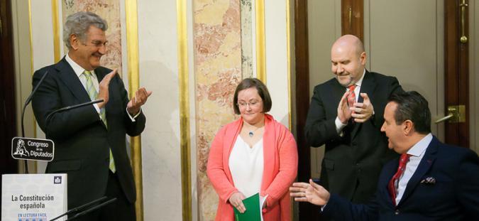 Presentación de la constitución española en lectura fácil