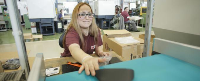 Mujer con discapacidad trabajando