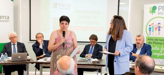 Maribel Cáceres interviene en la Asamblea general de junio
